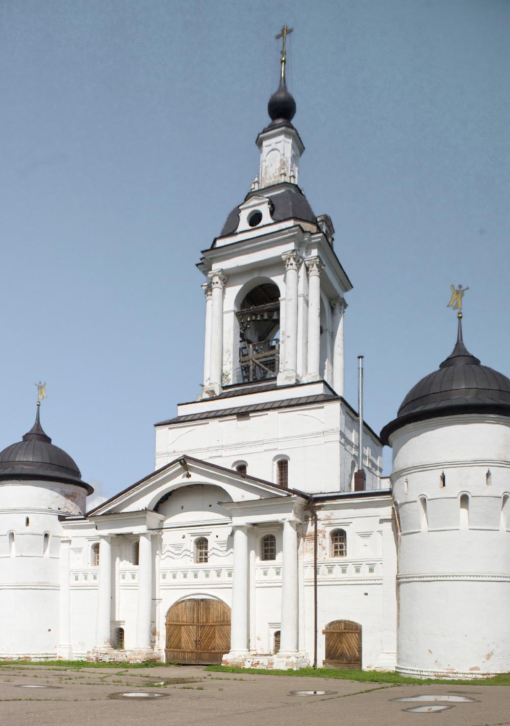 Monastèredel'ÉpiphanieSaintAbraham. Église deSaint-Nicolas au-dessus de la Sainte Porte, vue ouest