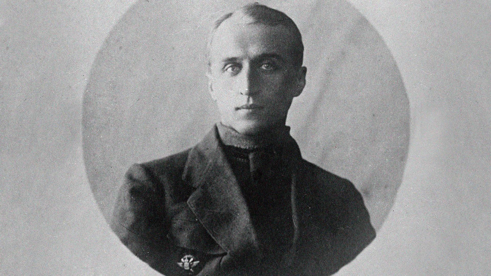 Yuri Bratoliúbov.