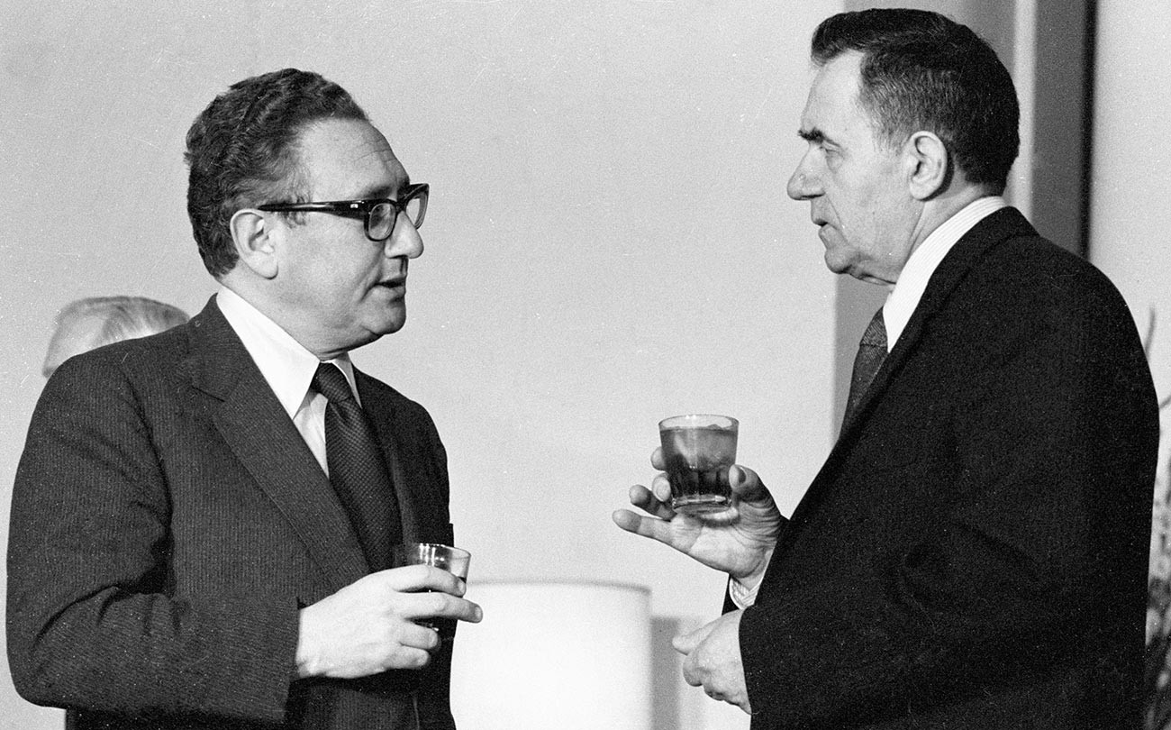 U.S. State Secretary Henry Kissinger (left) and the USSR's Foreign Minister Andrei Gromyko (right).