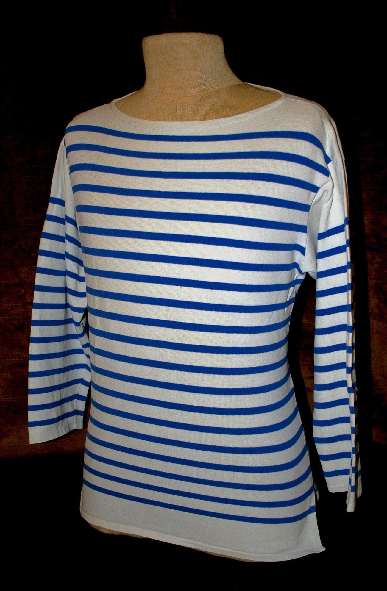 Marinière (ein bretonisches Hemd) der französischen Marine