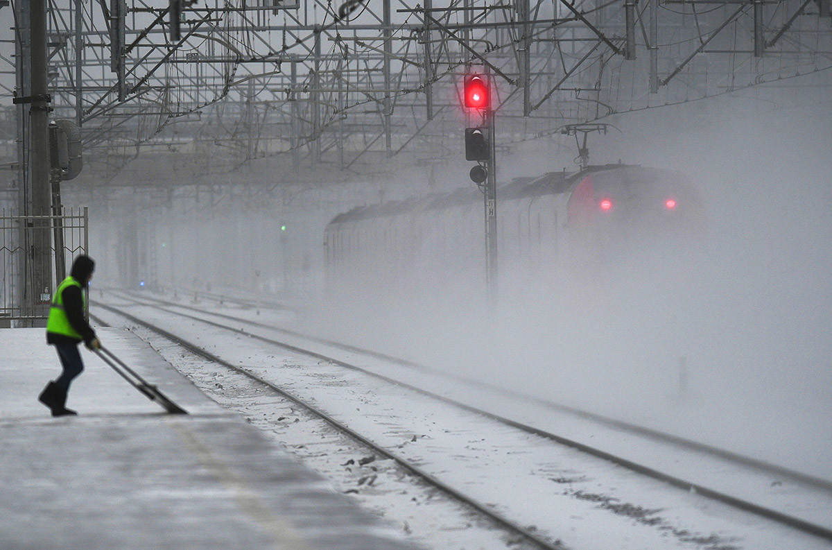 鉄道の除雪作業