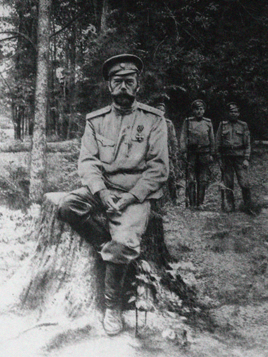 Nicholas II wearing gimnastyorka (pictured under the convoy, exiled after the Revolution)