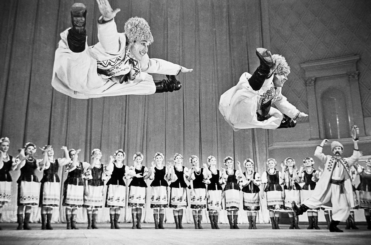 Ensemble académique d'État de danse folklorique Igor Moïsseïev