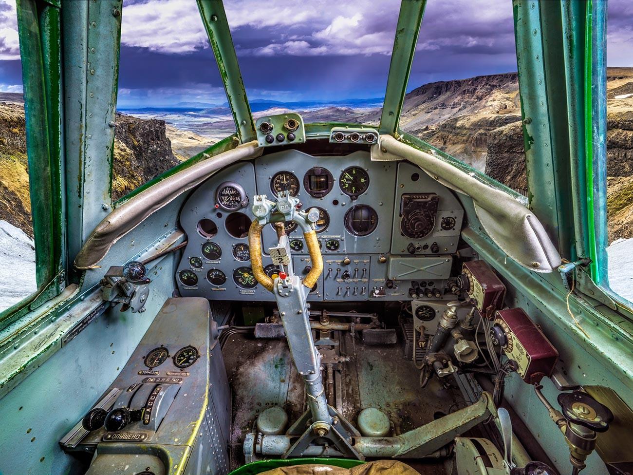 Il caccia monomotore ad ala bassa Yakovlev Yak-9
