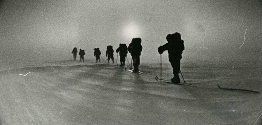 Attraversamento sugli sci