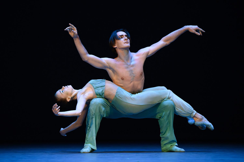 Ekaterina Krysanova, Vladislav Lantratov in the ballet 'The Ninth Wave'.
