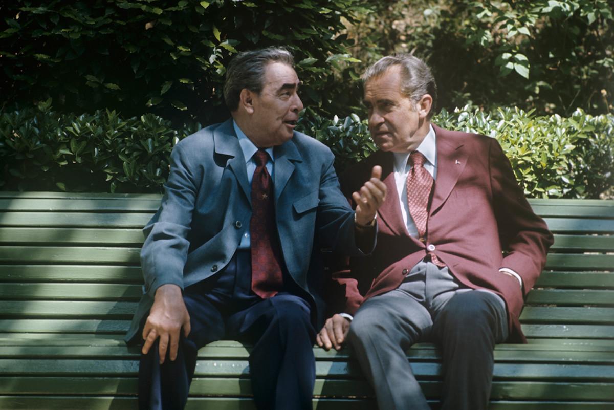 レオニード・ブレジネフ首相とリチャード・ニクソン米大統領