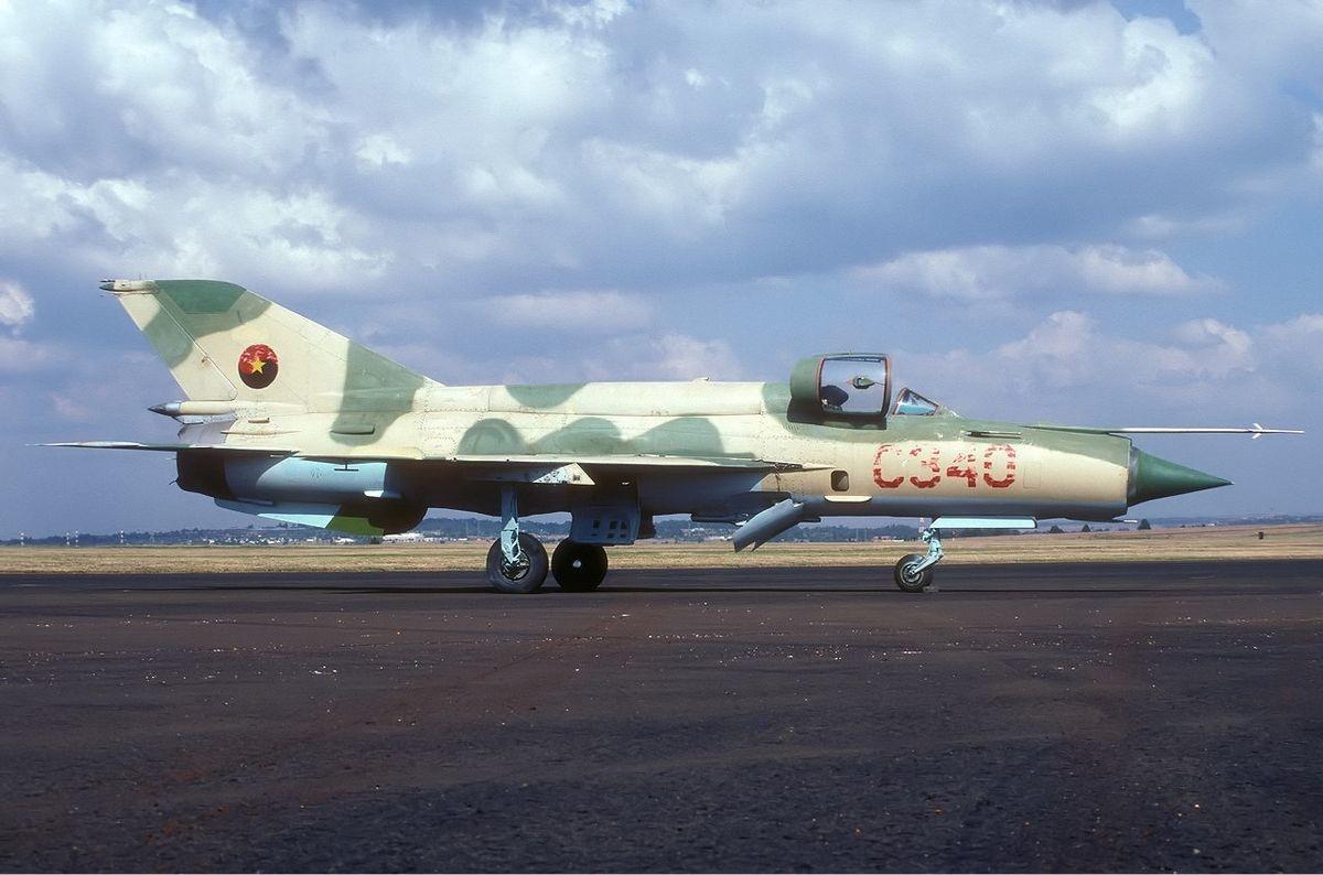 MiG-21 de la Fuerza Fuerza Aérea Nacional de Angola.