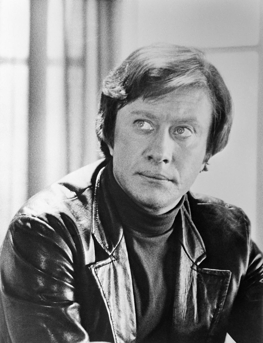 カリスマ的ソ連の俳優でセックスシンボルだったアンドレイ・ミローノフ、1976年