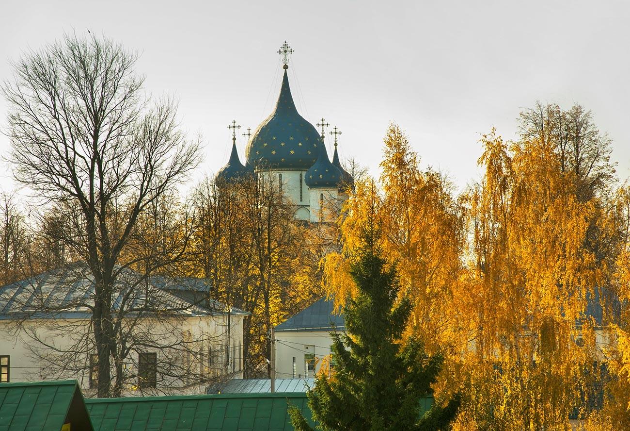 Musim gugur di Suzdal, salah satu permata dalam rute wisata Cincin Emas.