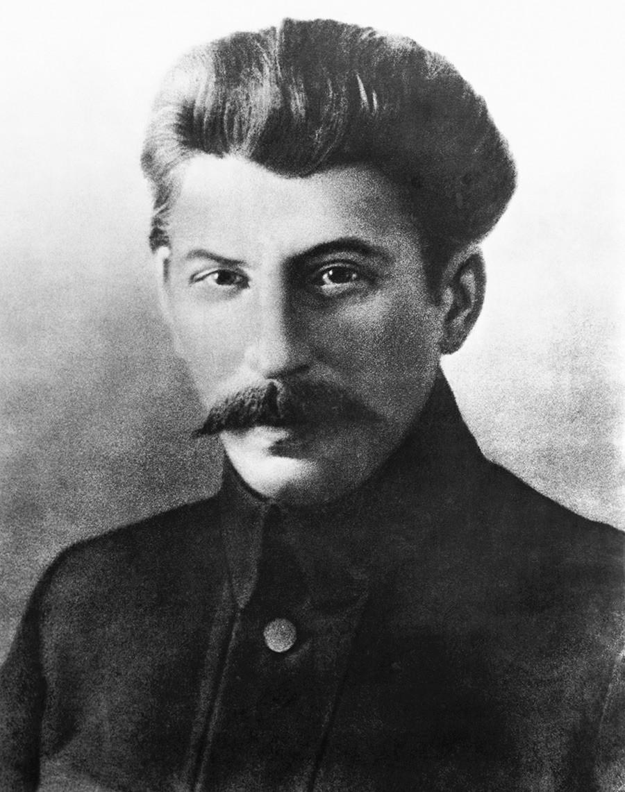 ヨシフ・スターリン、1917年