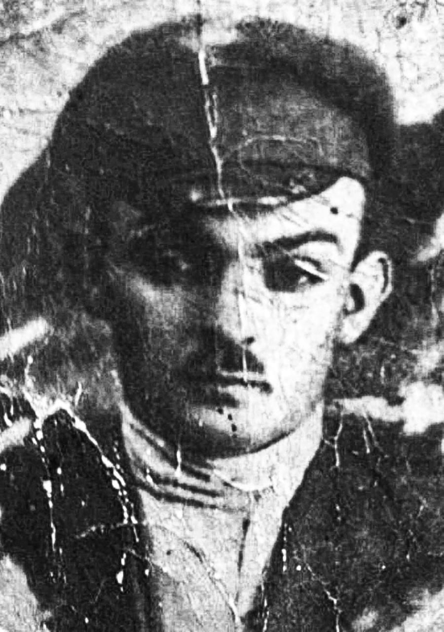 A picture of Mikhail Vinnitsky, the legendary criminal killer of Odesa, widely known as Mishka Yaponchik and Babel's Benya