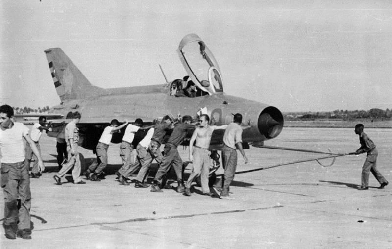 Un MiG-21F-13 en la base aérea cubana de San Antonio.