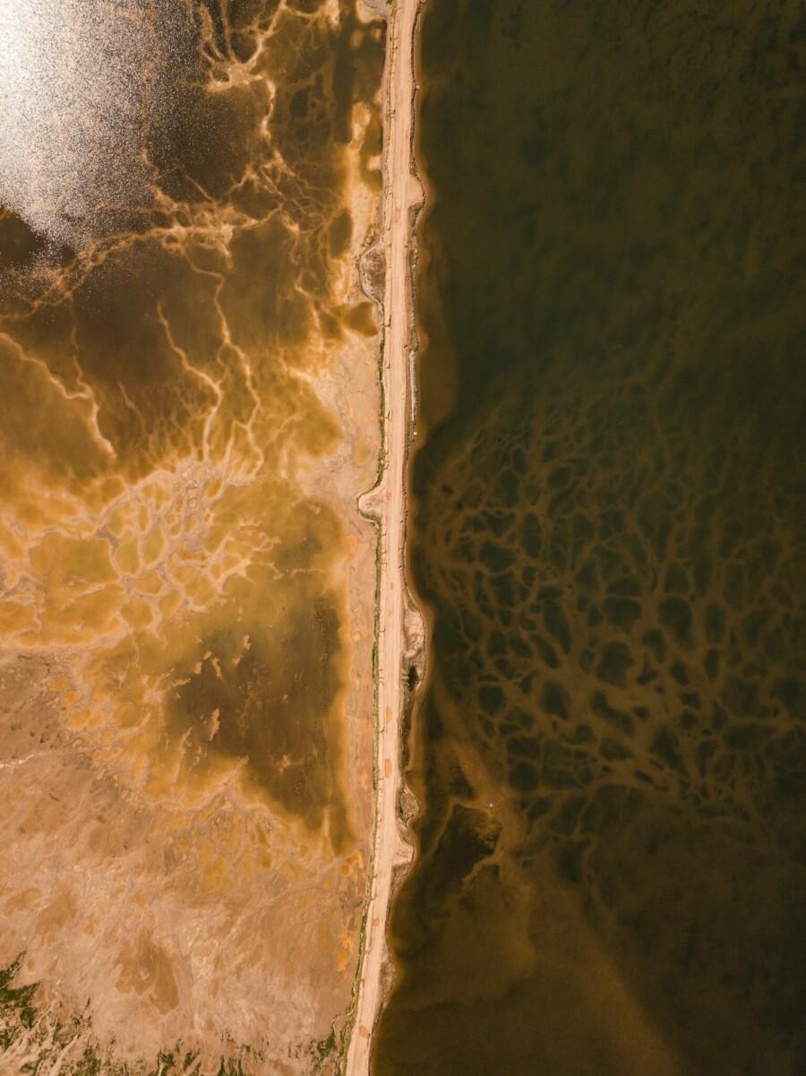 Reservoir für Flüssigkeitsabfälle auf der Strecke der Autobahn Tschita-Chabarowsk.