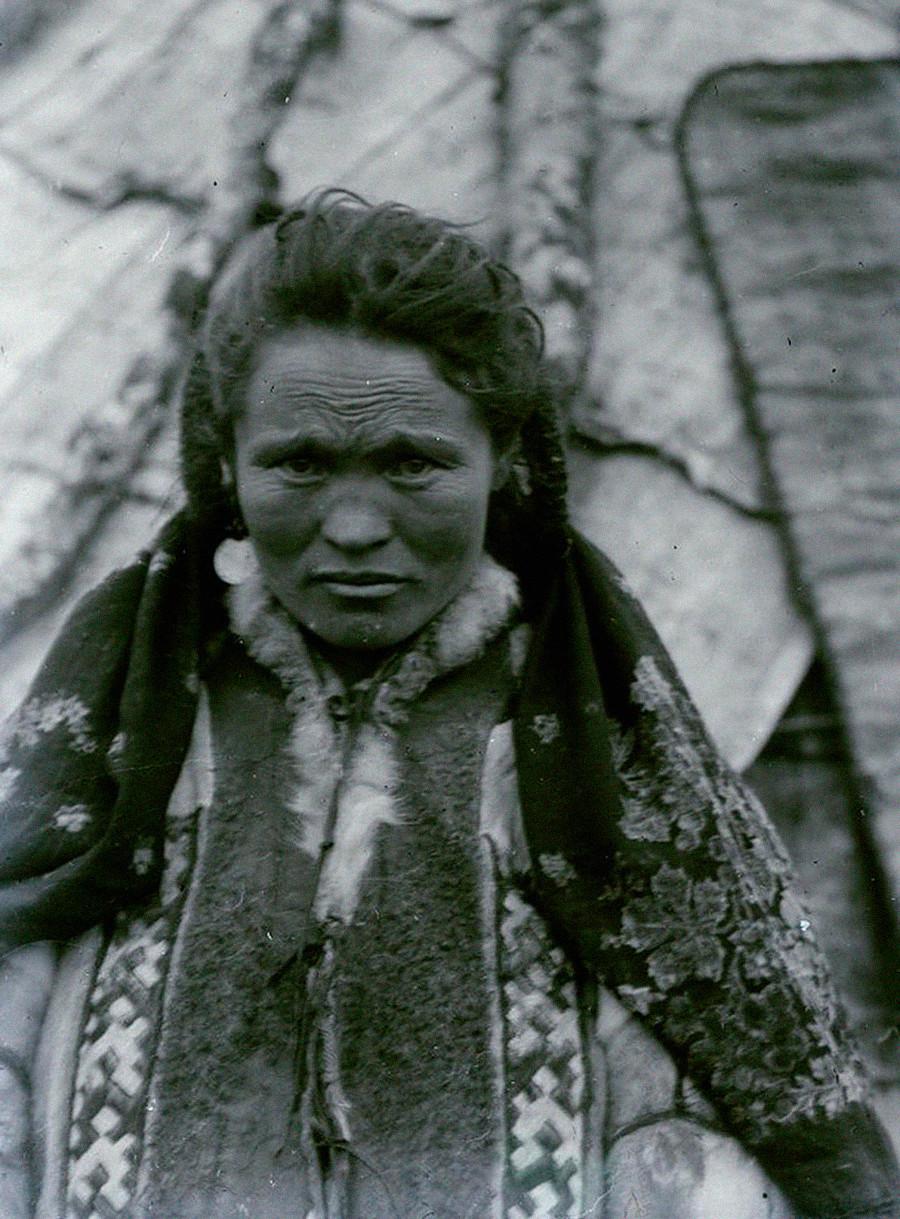 Припадница народа Манси из Пермске губерније, 1908.