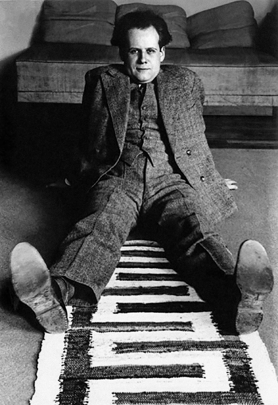 """Il regista Sergej Ejzenshtejn, autore del celebre film """"La Corazzata Potemkin"""", 1920 circa"""