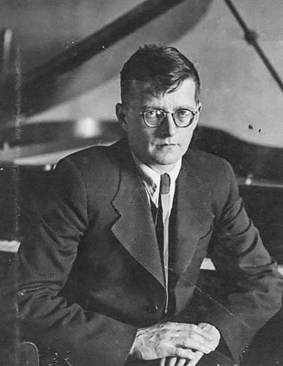 Le compositeur Dmitri Chostakovitch, années 1940