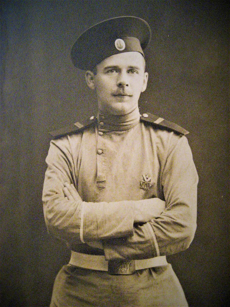 Petugas yang tidak ditugaskan dari Resimen Penjaga Pantai Preobrazhensky A.N. Sinyavin.
