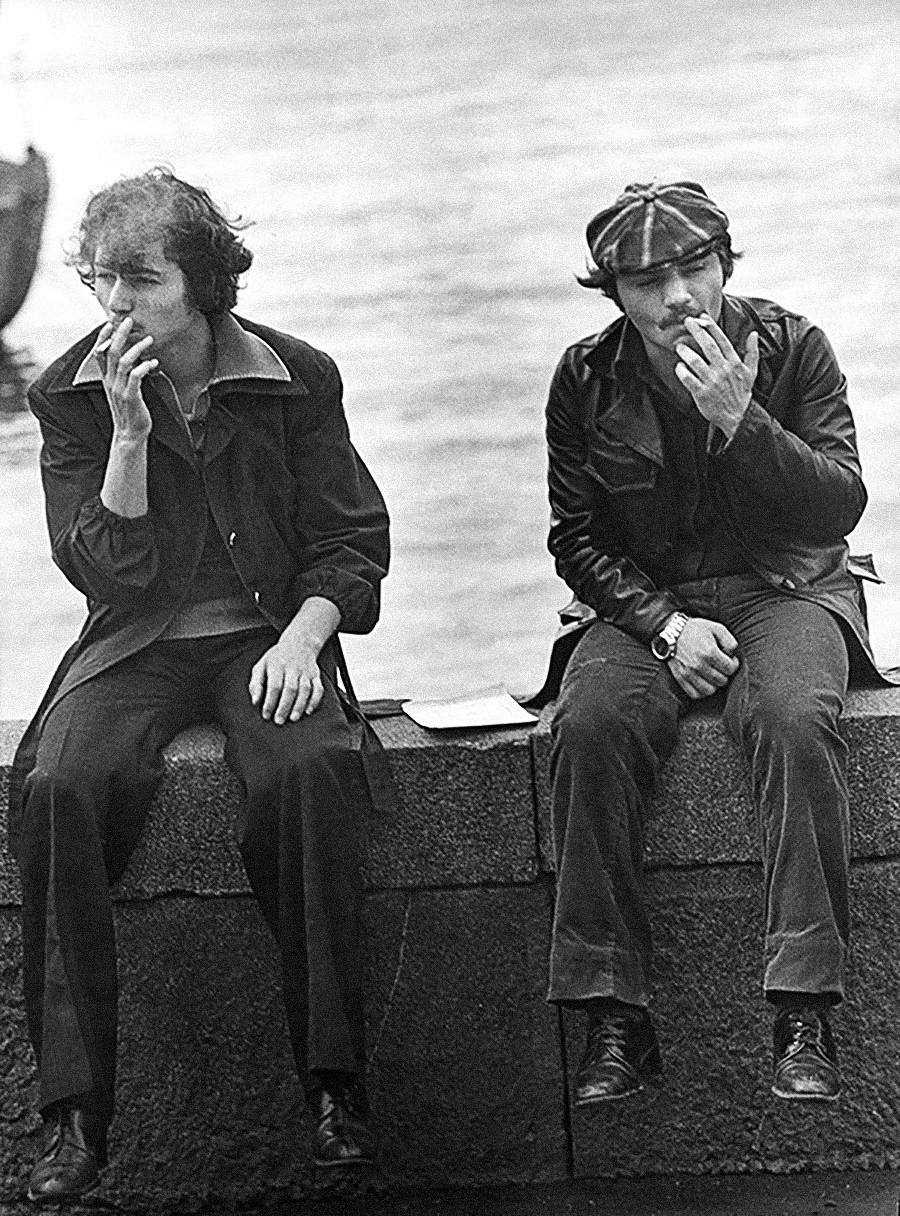 Di tepi laut, 1979.