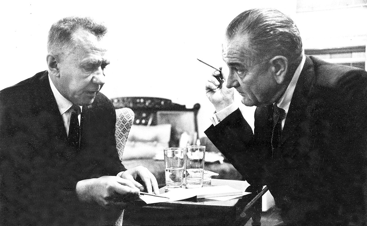 Aleksej Kosygin e Lyndon Johnson