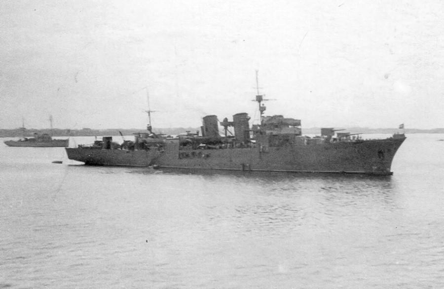 「オカ号」機雷敷設艦
