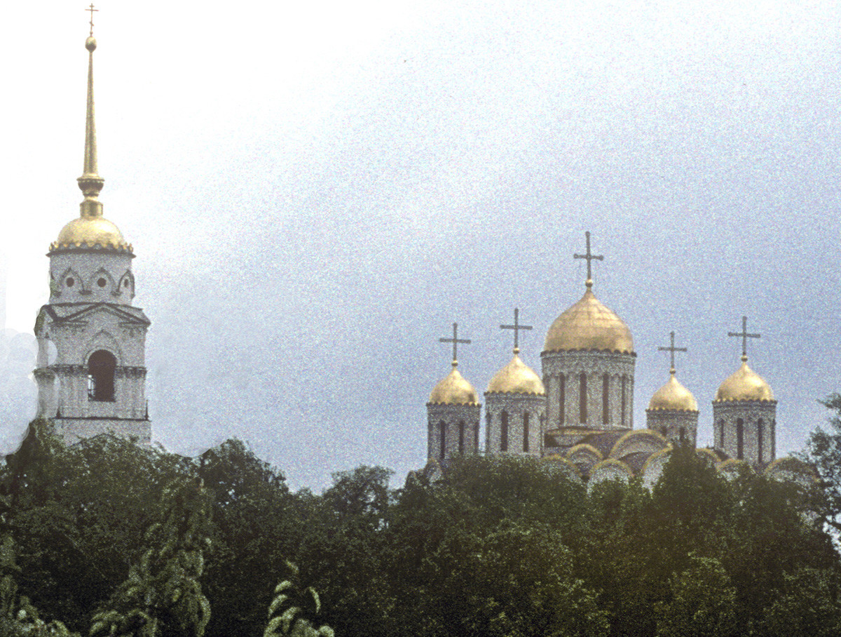 Bell tower & Dormition Cathedral. Northwest view from Kozlov Rampart across ravine. May 28, 1998