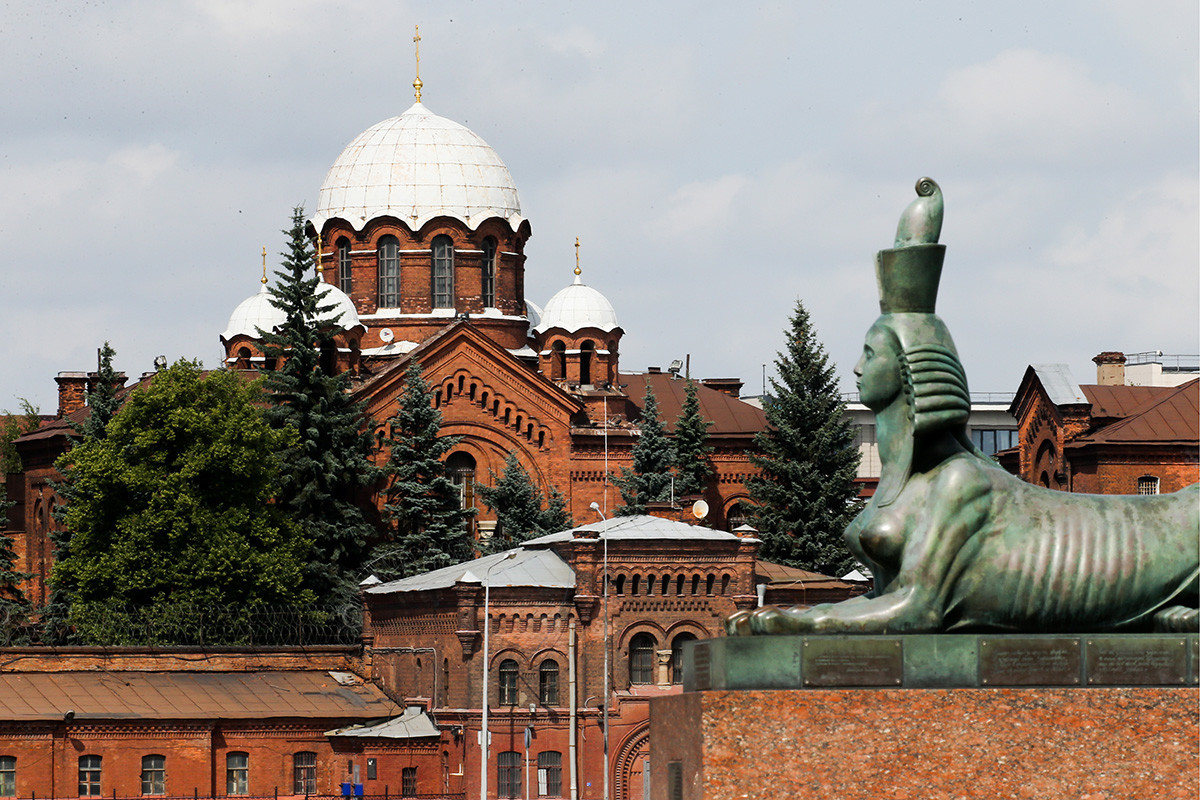 A view of the Kresty prison with the St. Alexander Nevsky Church (located on the prison territory) in the center