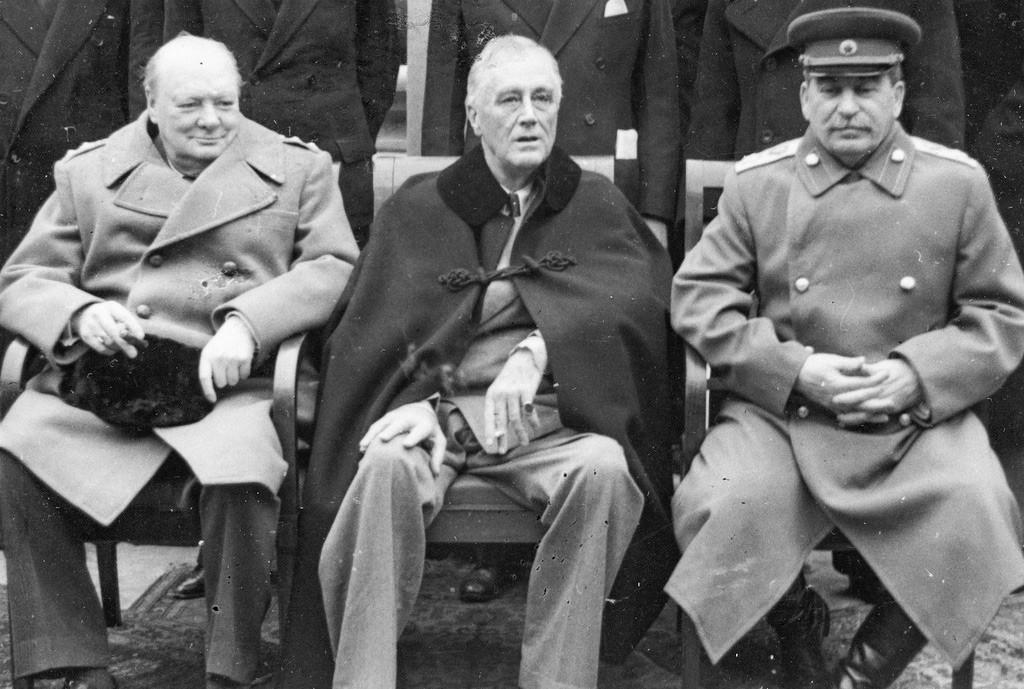 """""""Los tres grandes"""": Winston Churchill, Franklin Delano Roosevelt e Iósif Stalin, febrero de 1945."""