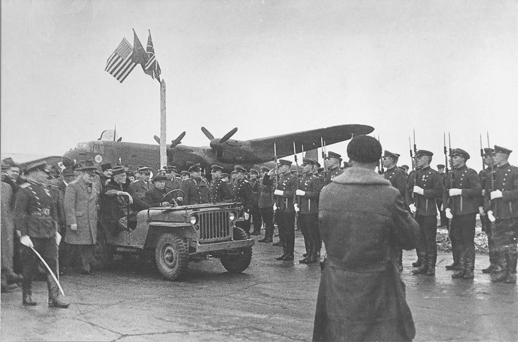 Llegada del presidente de EE UU, Franklin Delano Roosevelt, a la Conferencia de Yalta, 3 de febrero de 1945.