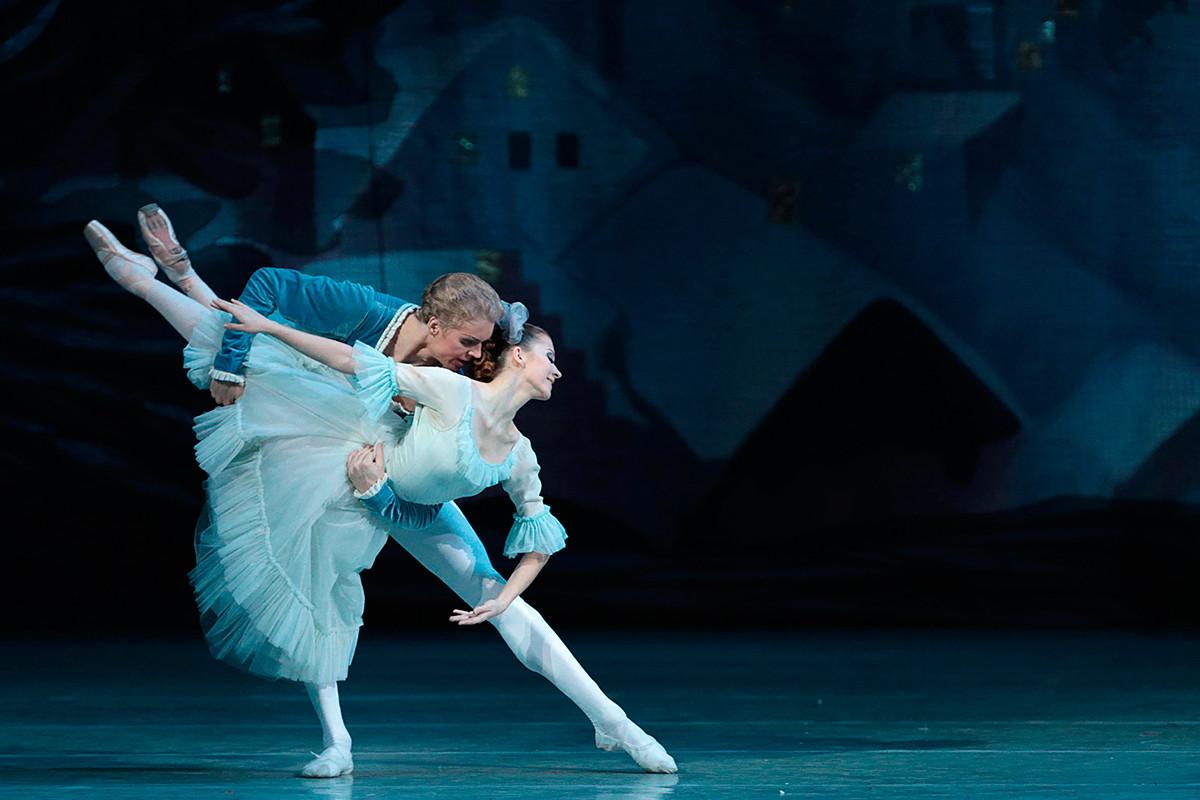Сцена от балета на П. Чайковски