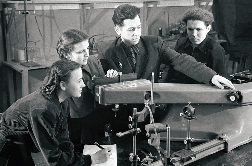 Senior students in the laboratory of spectral analysis. Chelyabinsk, Russian SSR, 1954.
