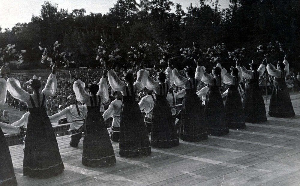 Students perform on stage in Moscow, 1955.