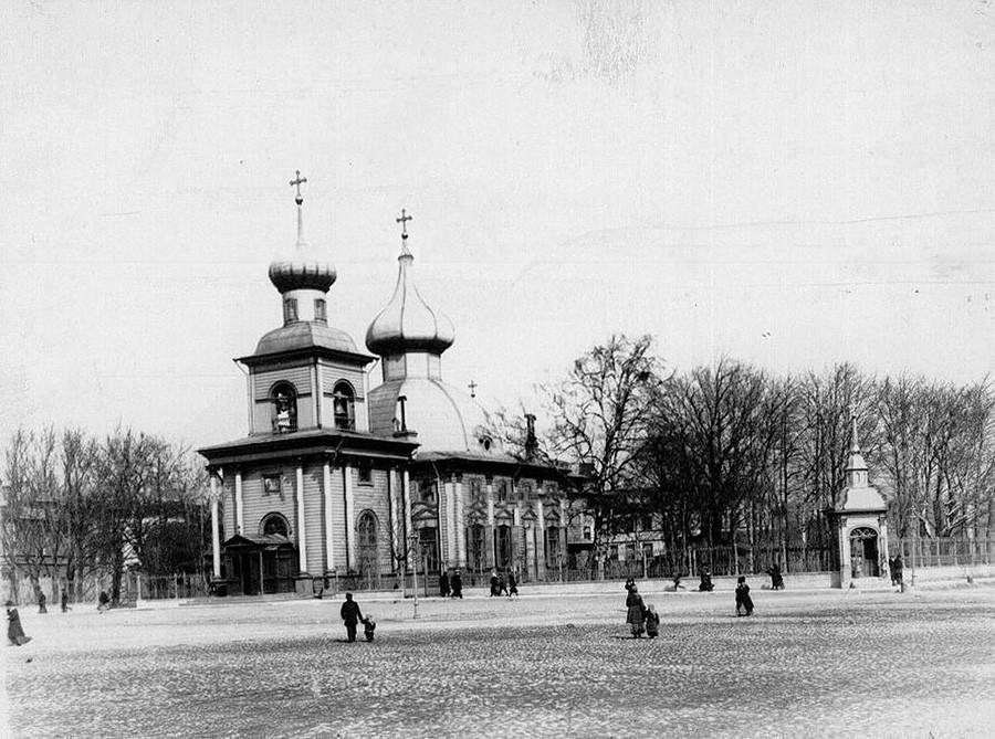 Katedral Trinitas Lama di Sankt Peterburg.