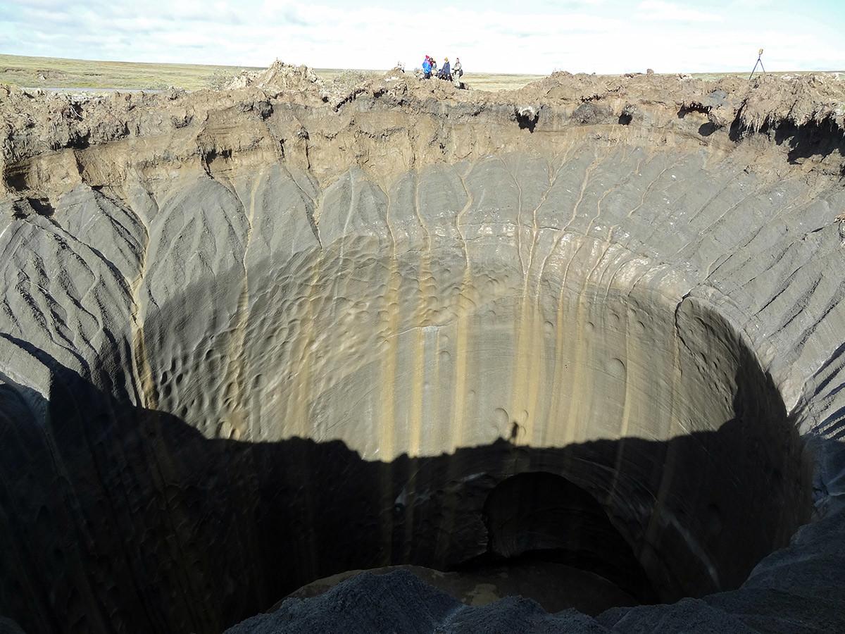 кратер на Ямалския полуостров, Сибир
