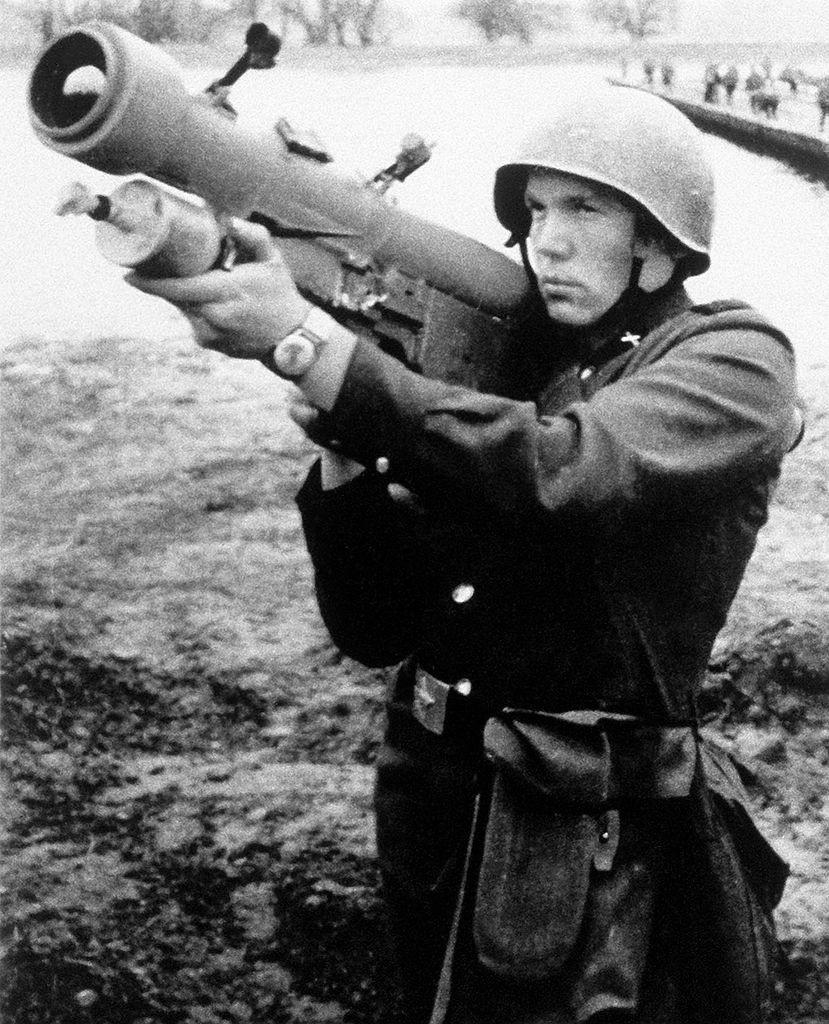 Strela-2 operado por un soldado soviético