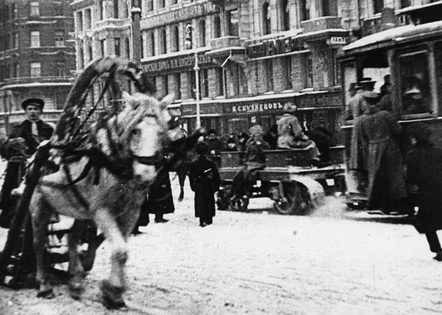 Winter Petrograd during the Civil War