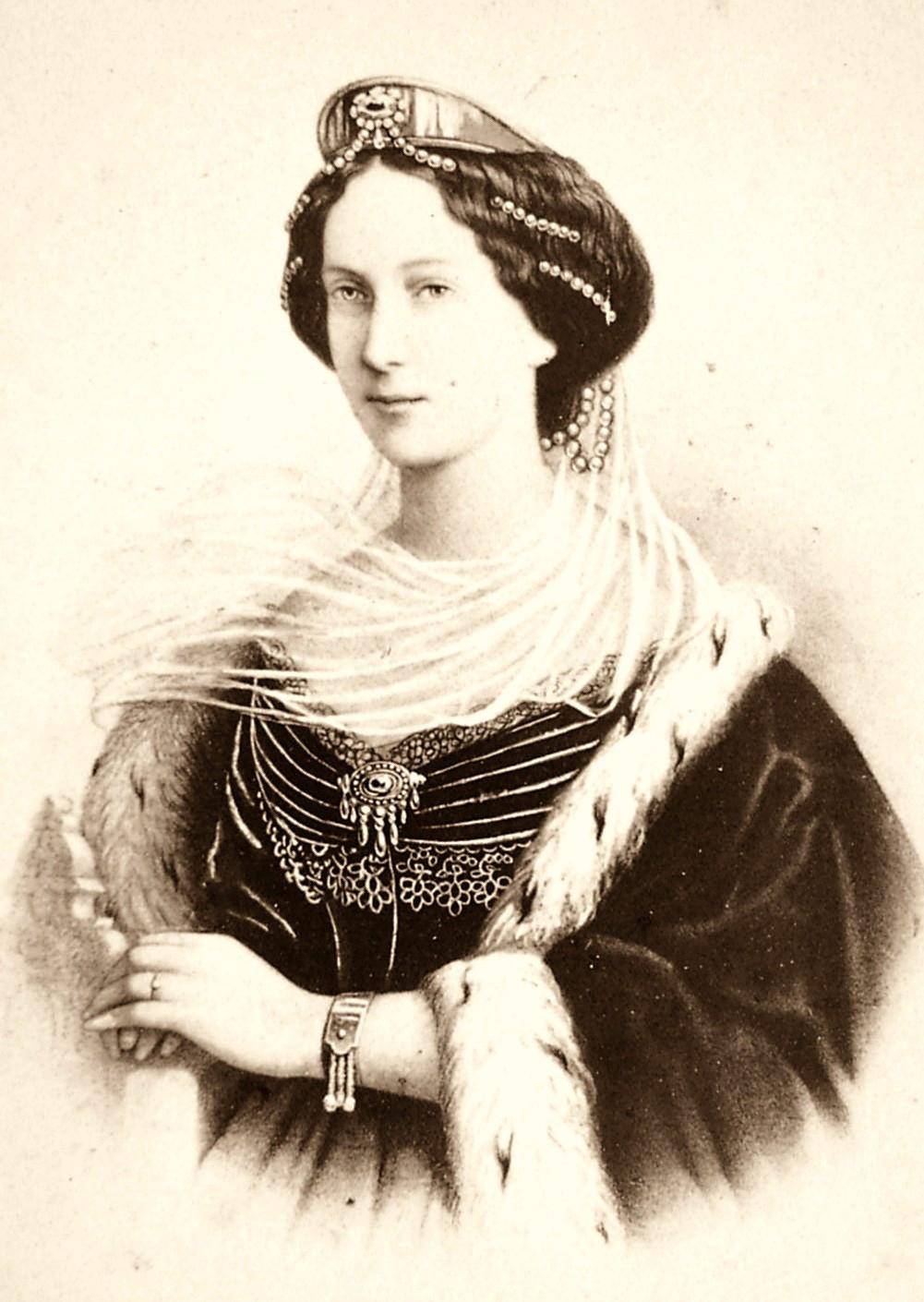 A imperatriz Maria Aleksandrovna, que rende nome ao teatro.