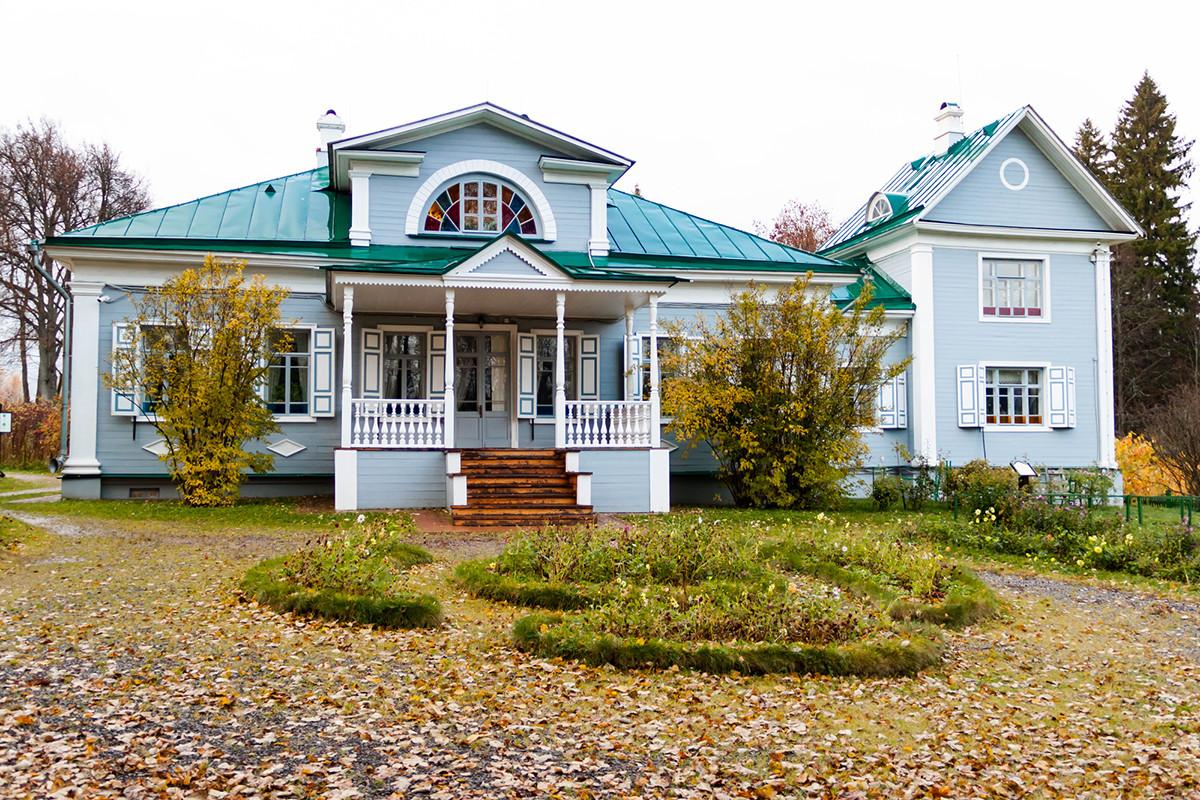 La tenuta Shakhmatovo vicino a Mosca, oggi trasformata in una casa-museo dedicata ad Aleksandr Blok