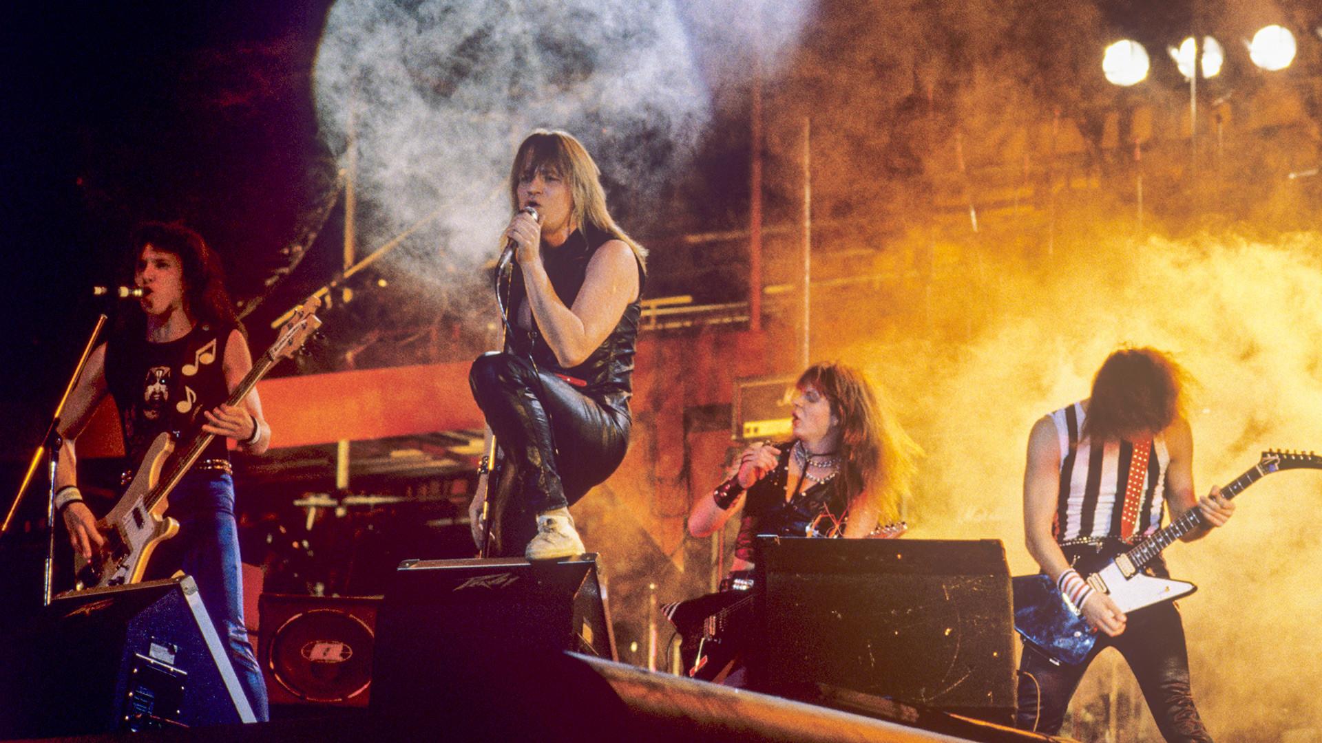 Le groupe Aria sur scène en 1987