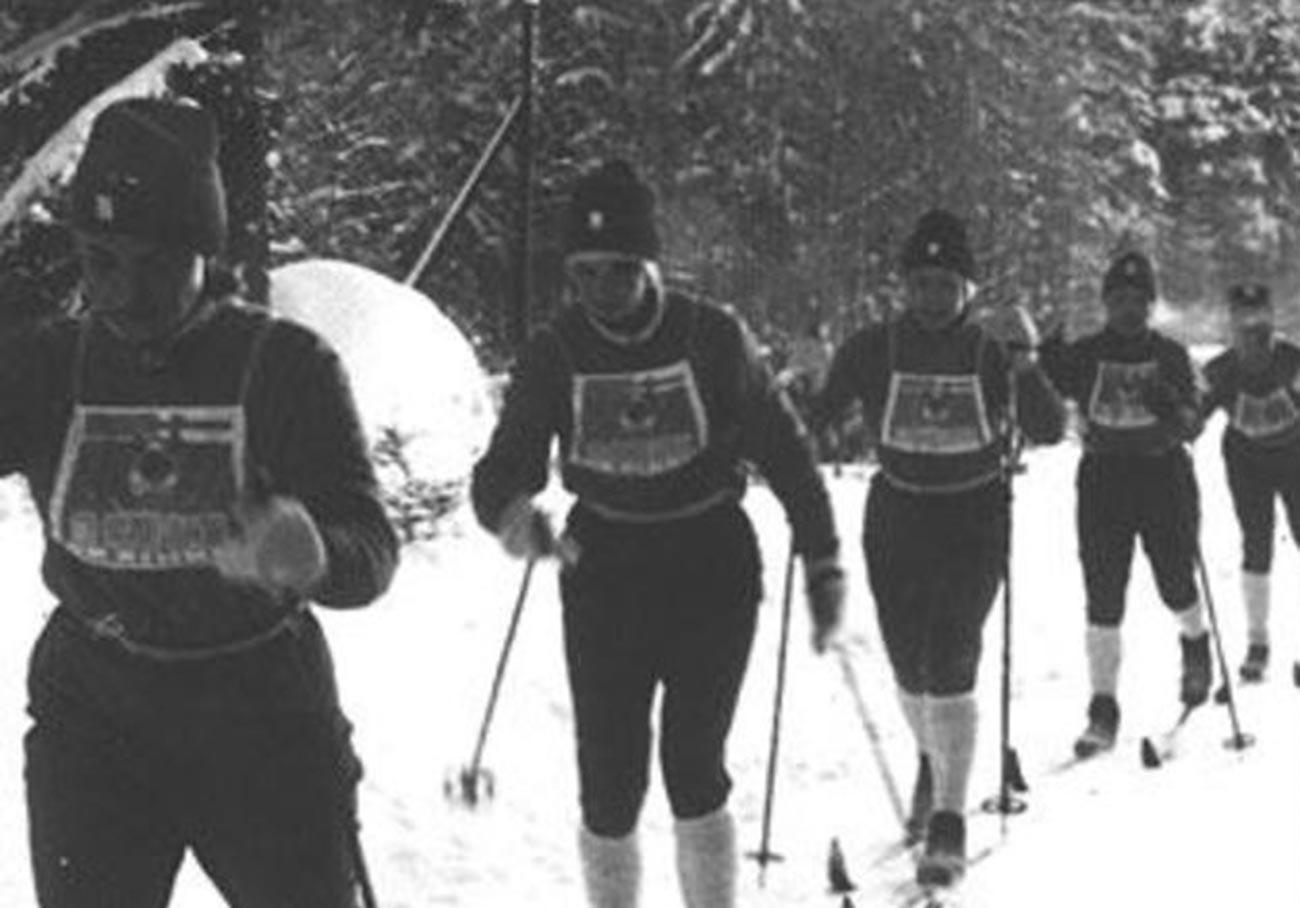 """Il gruppo di sciatrici """"Metelitsa"""""""