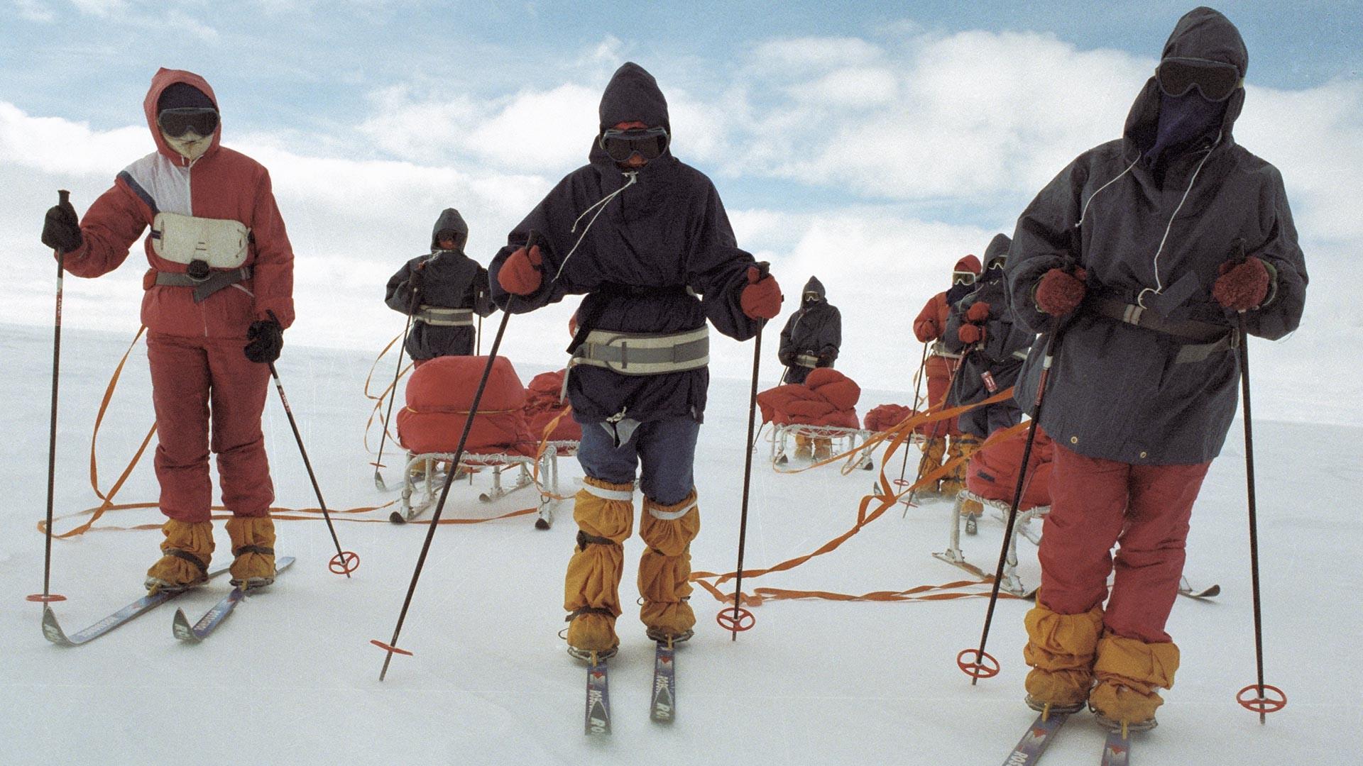 Les participantes à l'expédition antarctique féminine Metelitsa en Antarctique, 14 septembre 1989