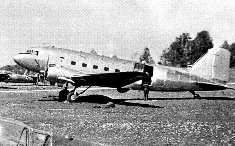 DC-3 – авион на шведското воено воздухопловство Tp 79 Hugin.