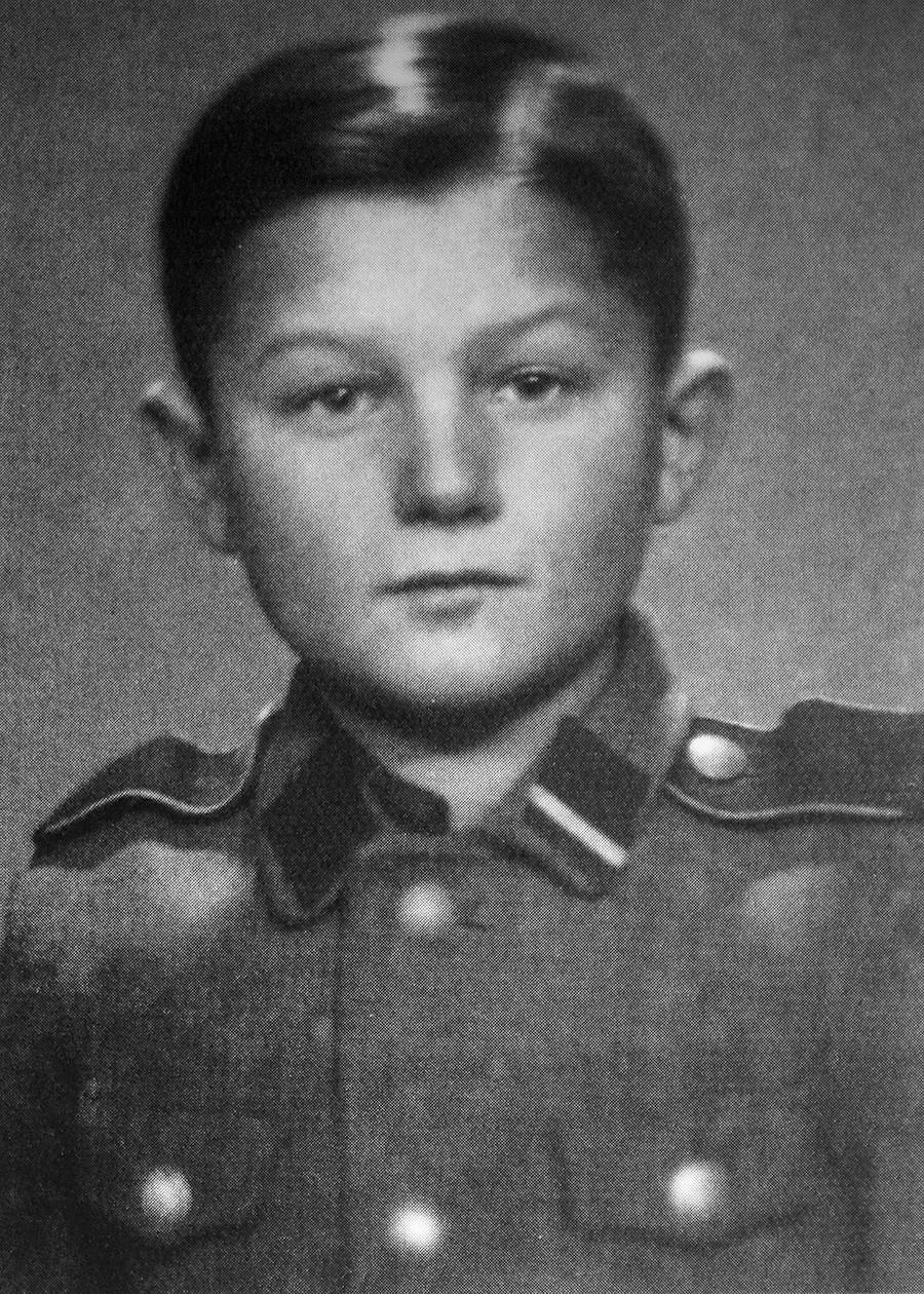 Алекс Курзем во својата втора нацистичка униформа, околу 1943 година.