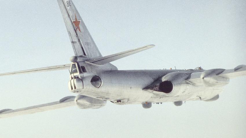 Tupolev Tu-16, 1989