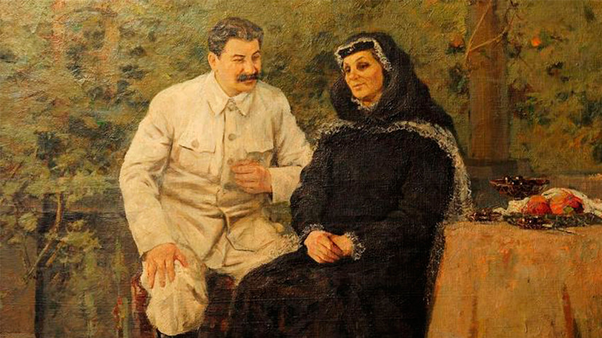 A painting of Stalin and his mother.