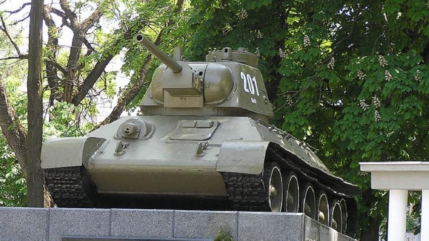 Споменик у Симферопољу