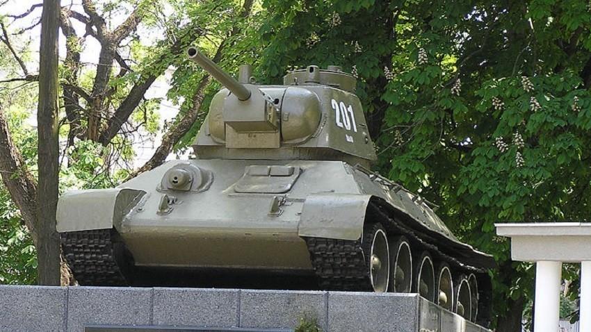 Споменикот во Симферопол
