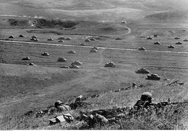 Tanques alemanes avanzan en el Cáucaso.1942