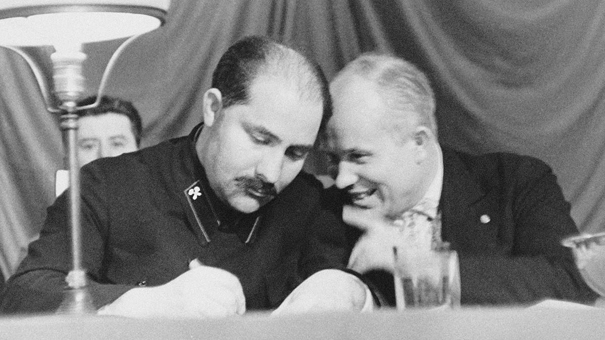 Lazar Kaganovich e Nikita Khrushchev nel 1935. Dalla collezione del Museo di Stato della Rivoluzione, Mosca