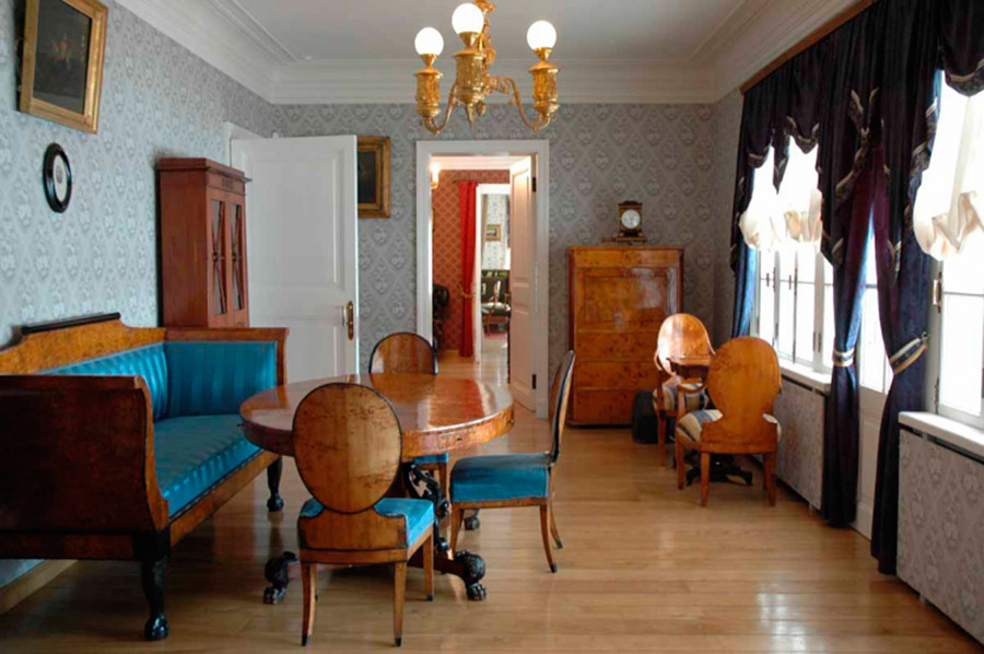 Inside Turgenev's house in Spasskoye-Lutovinovo
